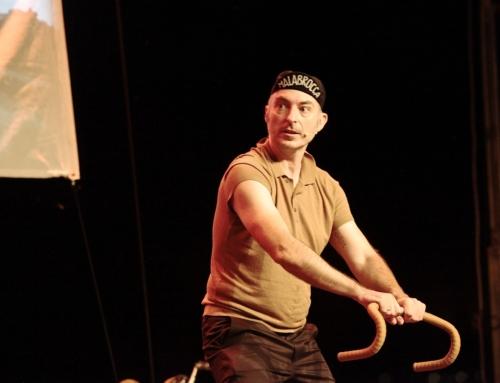 Brillante 'esprint' actoral de Rafa Blanca y feliz estreno musical de Edu Soto en el segundo fin de semana del Festival Manhattan